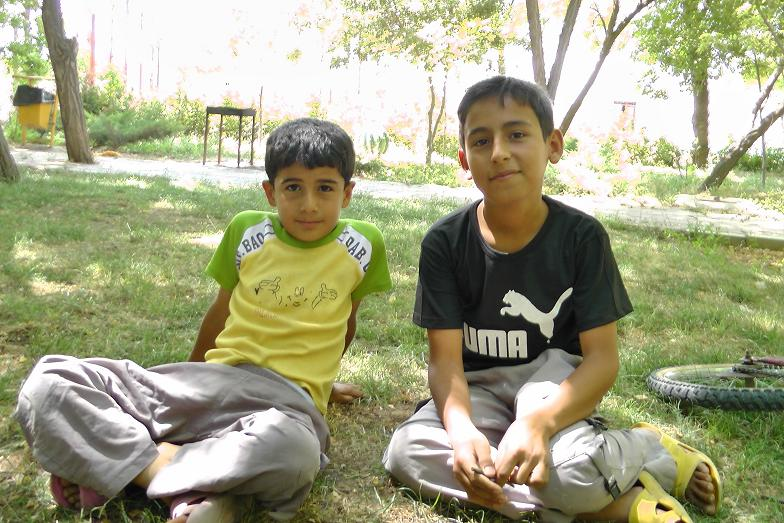 عباس و ایمان از بچه های گل فاروج